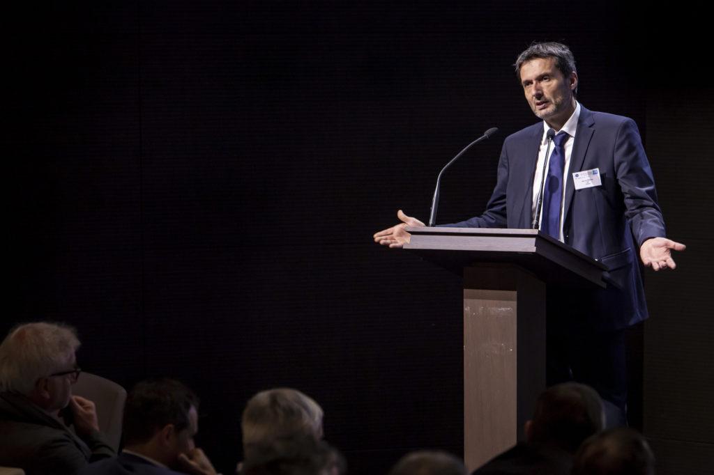 Photo de Jean-Luc Ventura, président de l'UIE, ouvrant la matinée technique de l'UIE.