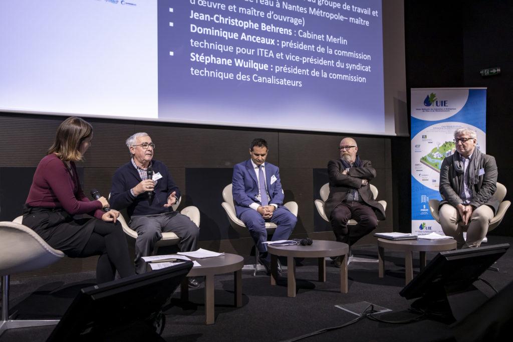 Photo des intervenants de la table ronde n°1. De gauche à droite, Lucie Brasseur, Jean-Luc Perrouin, Stéphane Wuilque, Dominique Anceaux et Jean-Christophe Behrens