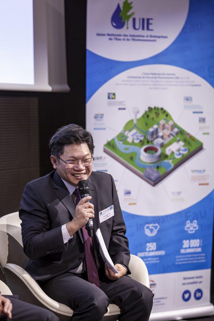 Photo de Minh-Tuan NGUYEN intervenant lors de la table ronde